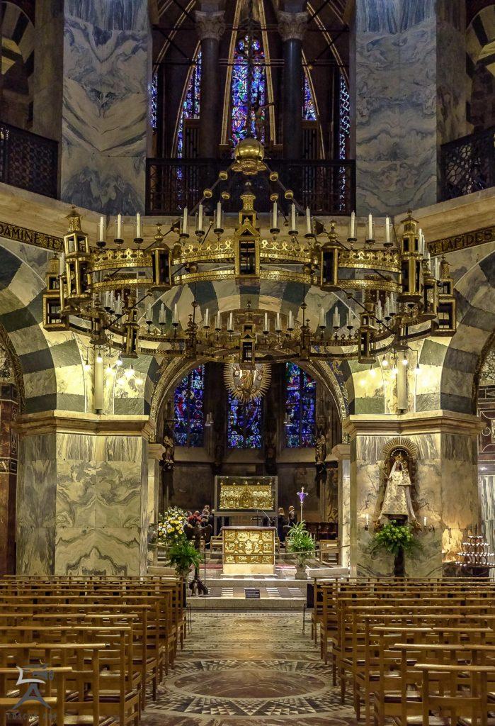 Dom Aachen - Barbarossaleuchter