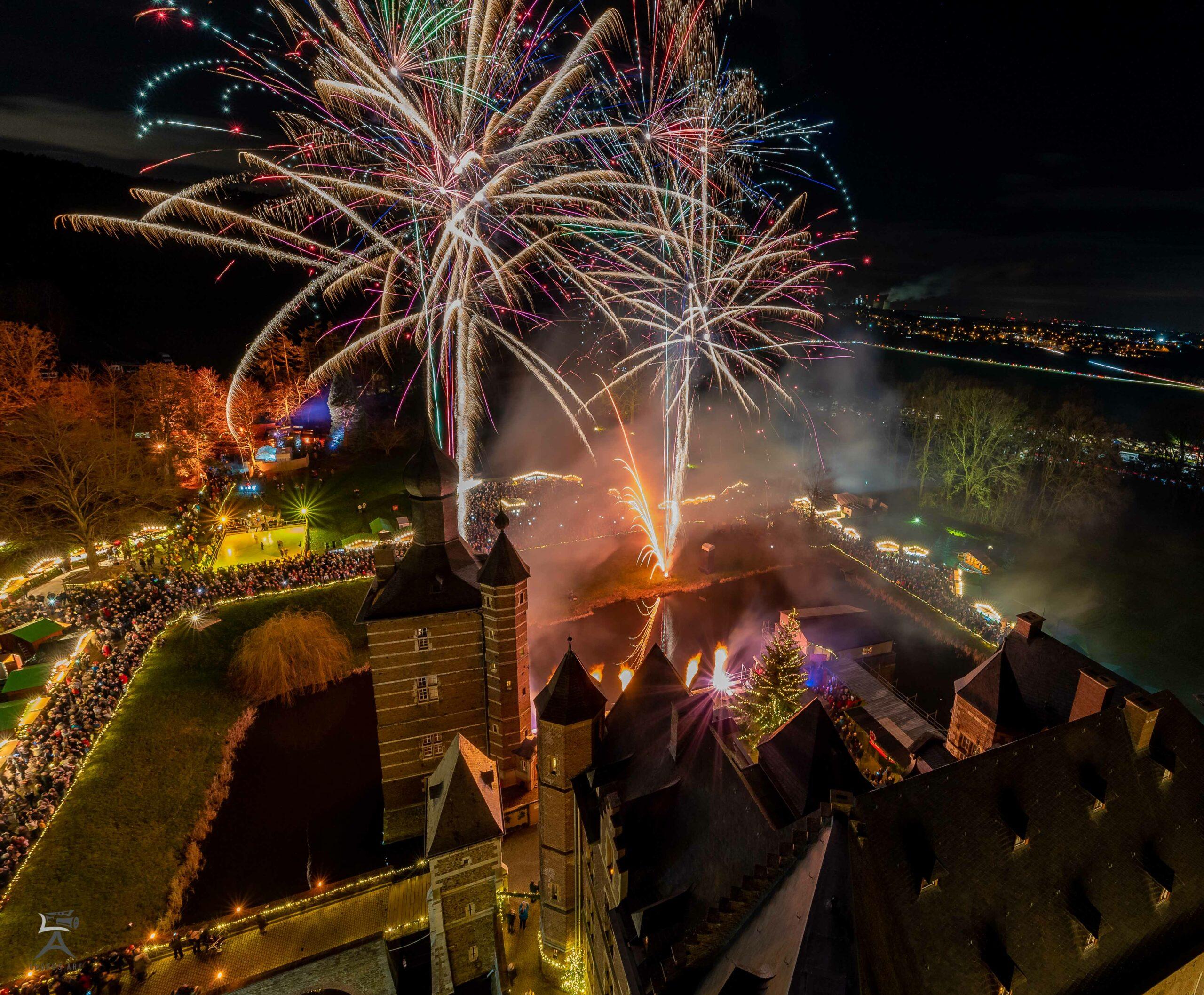 Feuerwerk Weihnachtsmarkt Schloss Merode